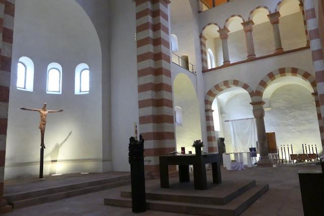 Hildesheim - St. Michaelis: Christusfigur aus Eisen von Thomas Duttenhoefer 2008