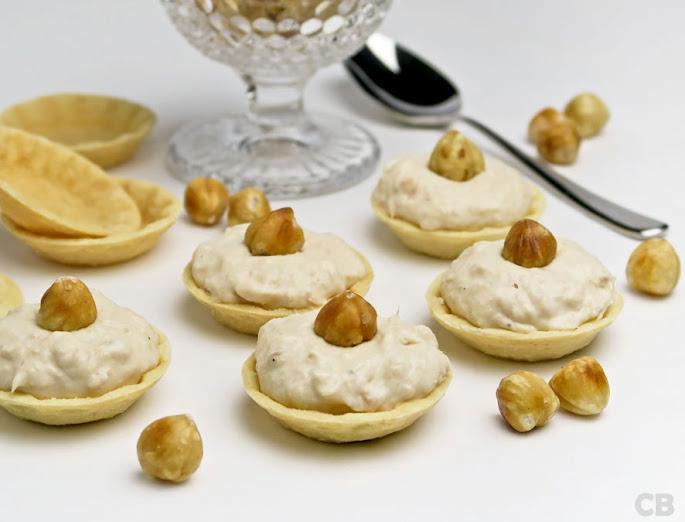 Krokante cupjes gevuld met romige zalmsalade