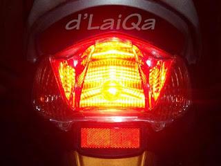 lampu belakang telah hidup dan berfungsi