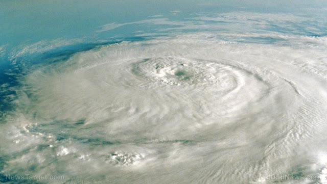 uragano_brevetti_geoingegneria_teconologie_per_il_controllo_del_clima