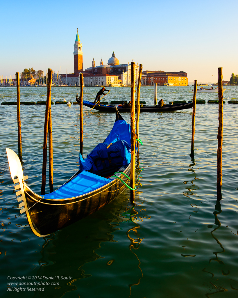 a photo of a gondolier in venice