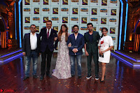 Raveena Tandon, Arshad Warsi and Boman Irani at the Launch Of New Show Sabse Bada Kalakar (5).JPG