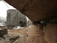 [Imagem: 220px-Yangshan_Quarry_-_Monument_Head_an...060880.JPG]
