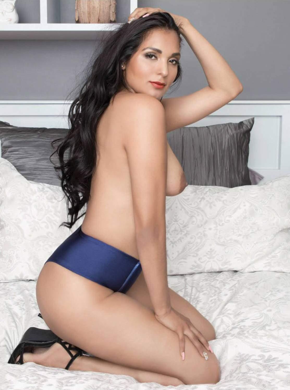 Laura garcia canon sexy photos