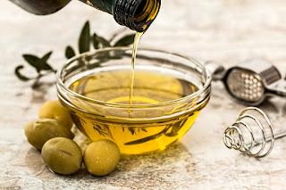 Olejowanie włosów - oliwa z oliwek