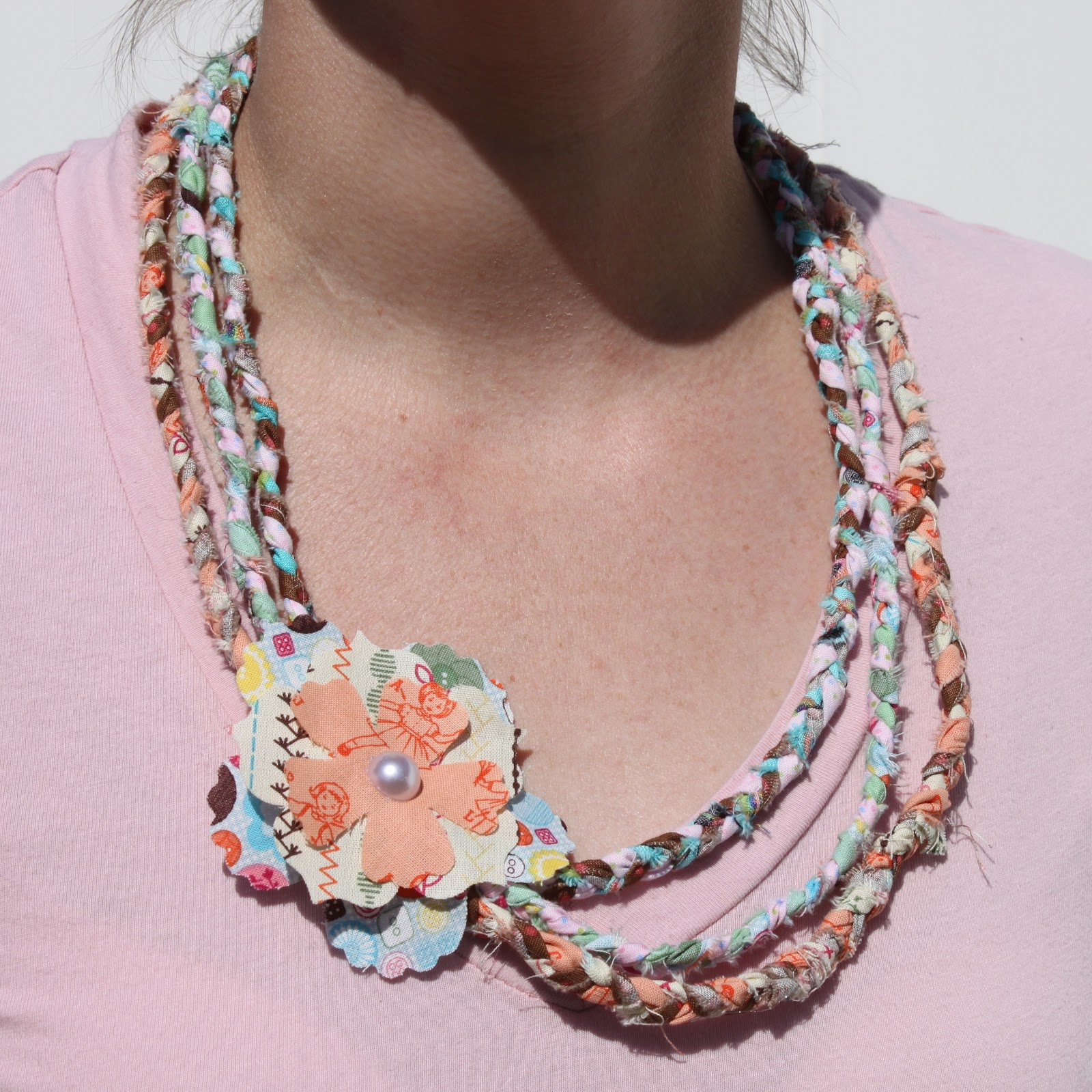 No Sew Braided Fabric Necklace - The Crafty Blog Stalker