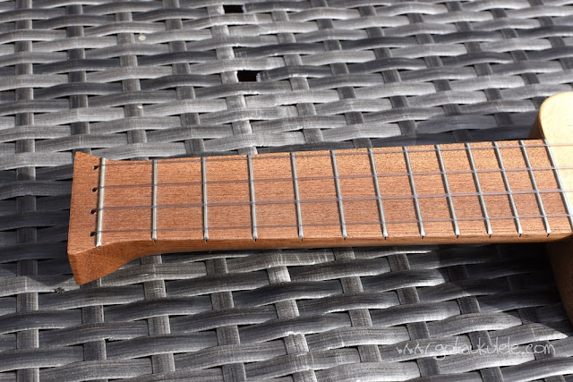 Ashbury Lonely Player Ukulele fingerboard