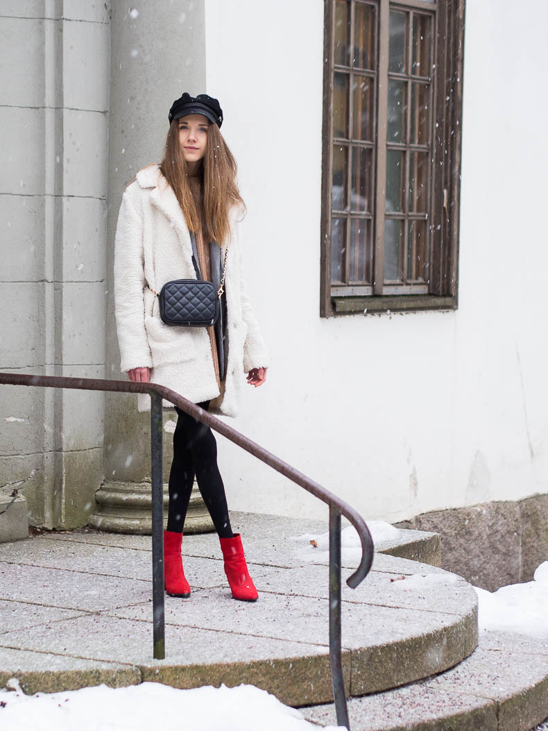 winter-outfit-inspiration-teddy-coat