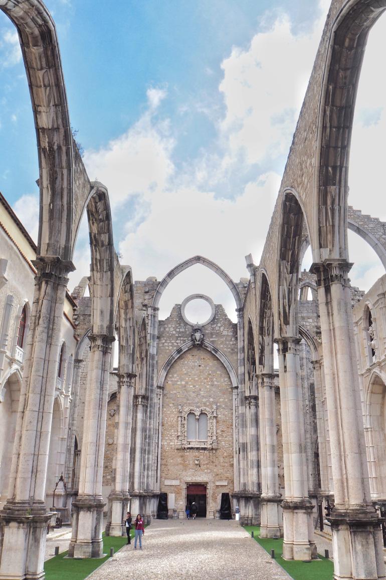 Visiter le couvent des Carmes à Lisbonne au Portugal