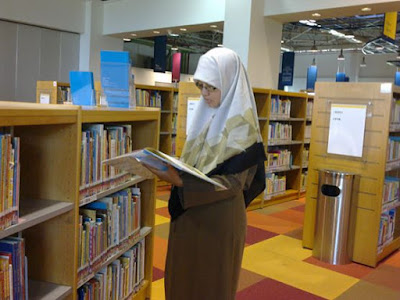 kania dan buku