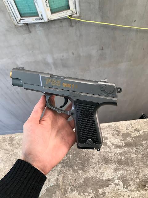 súng lục bắn đạn thạch-1