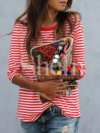 http://es.shein.com/Red-White-Long-Sleeve-Striped-T-Shirt-p-244811-cat-1738.html?utm_source=anouckinhascloset.blogspot.com&utm_medium=blogger&url_from=anouckinhascloset