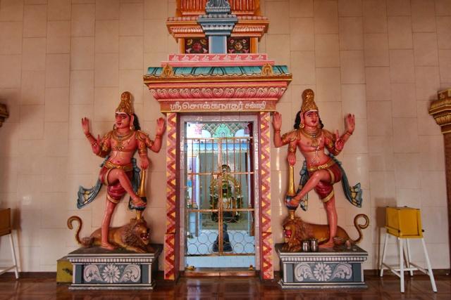 Interior del Templo Tamil Kaylasson en Abercrombie Mauricio