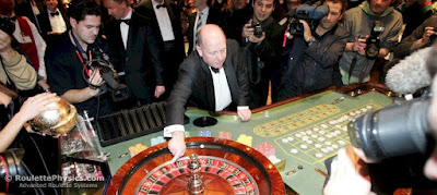 Aturan roulette sangat mudah - Anda memiliki tabel yang penuh dengan bidang yang disediakan untuk nomor, kelompok angka, warna merah dan hitam, angka nol,