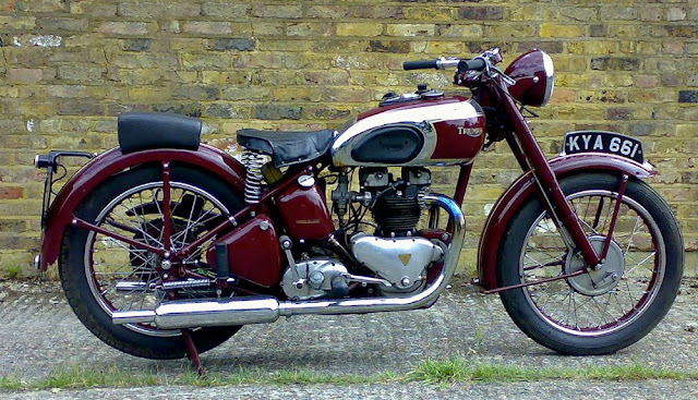 Triumph Speed Twin 1930s British classic motorcycle