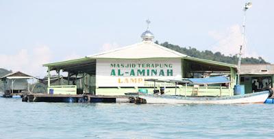 Masjid Apung Di Pantai Sari Ringgung