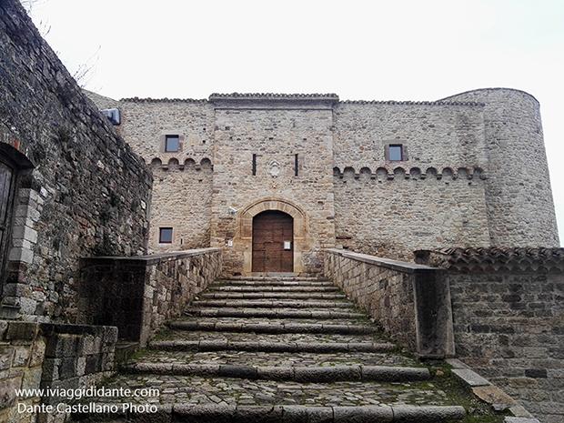 Civitacampomarano castello angioino