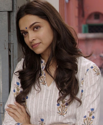 Dress no. 36 - Deepika in White kurta from Piku