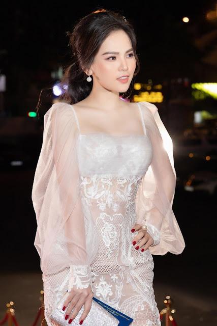 """Cảnh nóng táo bạo khiến """"hot girl Mì Gõ"""" Phi Huyền Trang bị người yêu chia tay"""