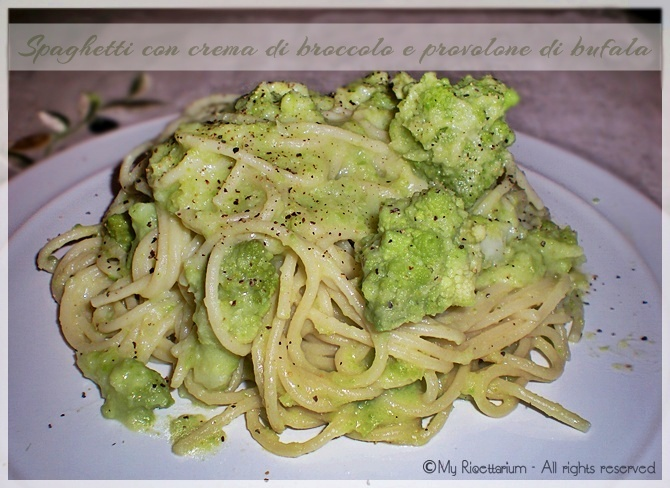 Spaghetti con crema di broccolo e provolone di bufala