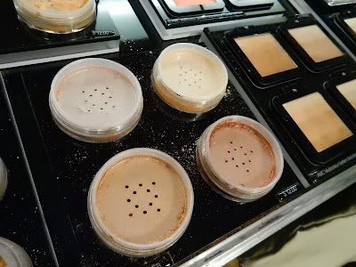 Inglot Pigments at The Makeup Show New York 2016 - www.modenmakeup.com