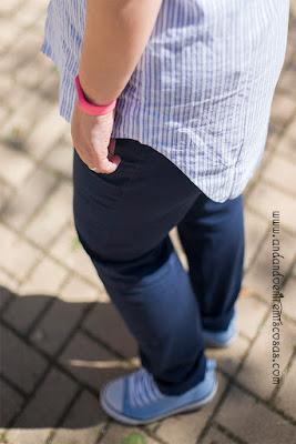 Blusa Asimétrica De Rayas Con Encaje
