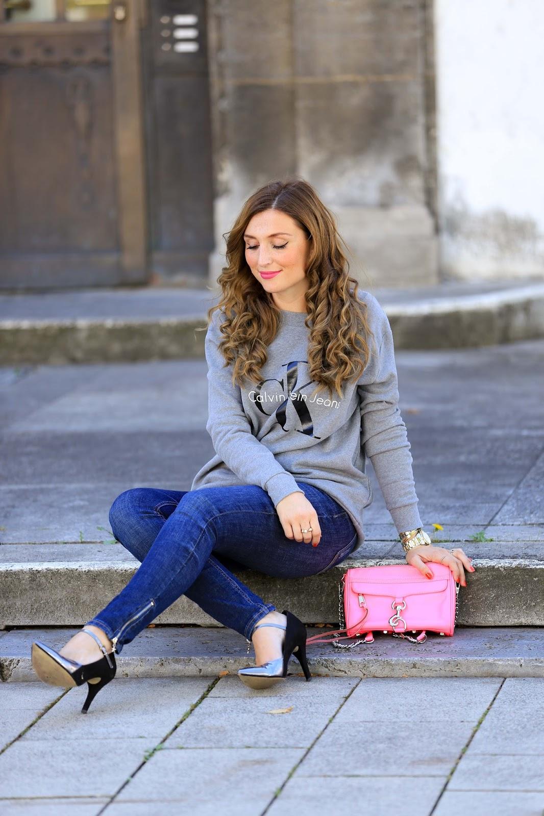 CK Pullover-Grauer Calvin Klein Pulli-grauer Pullover-pinke Tasche-Stella Mc Cartney Tasche-silberne Schuhe-Casual Streetstyle-Fashionstylebyjohanna-Blogger-Fashionblog-Outfit-Modeblog-München-deutsche-Fashionblogger-Influencer