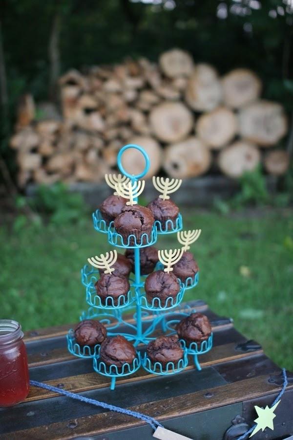 Menorah cupcake toppers | Land of Honey