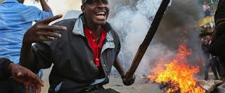 الشرطة الكينية تقتل شخصين خلال اعمال شغب بعد اعلان فوز الرئيس اوهورو كينياتا