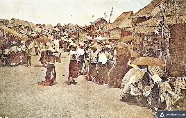 Photograph of the town market in Lipa, circa 1903.