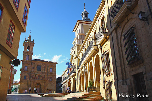 Ayuntamiento y San isidoro de Oviedo
