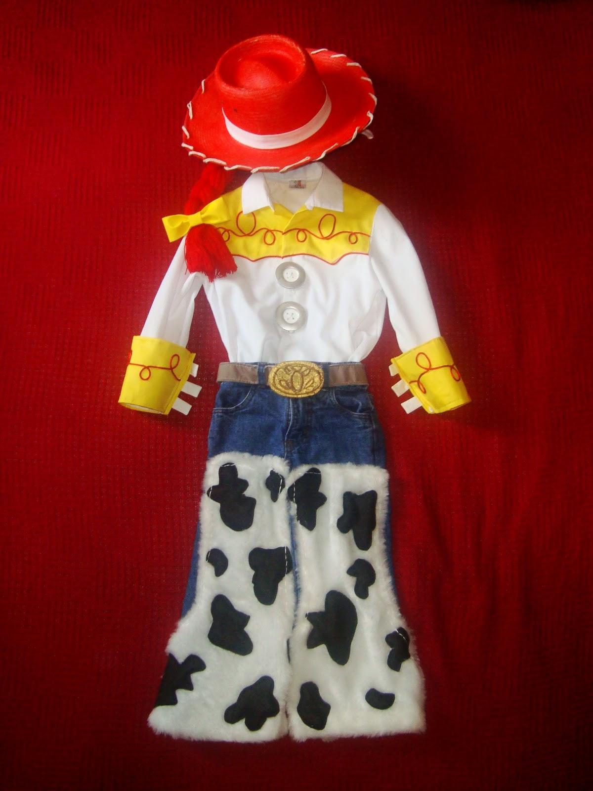 9561a5e7fa205 Disfraz casero de Jessie de Toy story