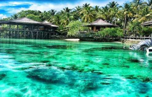 Menikmati Pesona Wisata Pulau Derawan