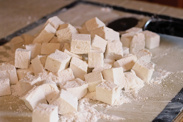 Homemade Vanilla Bean Marshmallows for Hot Chocolate