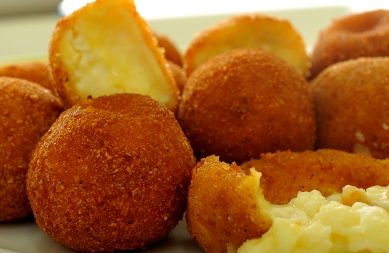 Chicken stuffed cheese balls recipe
