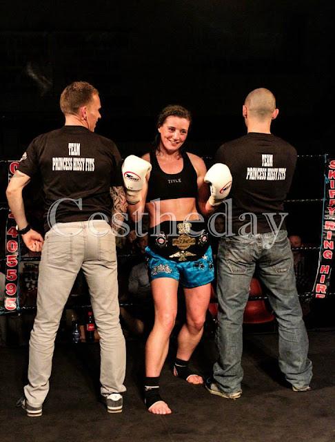 ISKA MuayThai Elaine McElligott kick boxing