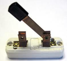 ماهي المفاتيح الكهربية Switches,