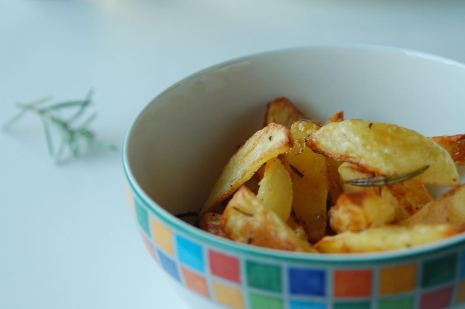 karambakarina 39 s welt pommes selber machen kartoffelspalten aus dem backofen. Black Bedroom Furniture Sets. Home Design Ideas