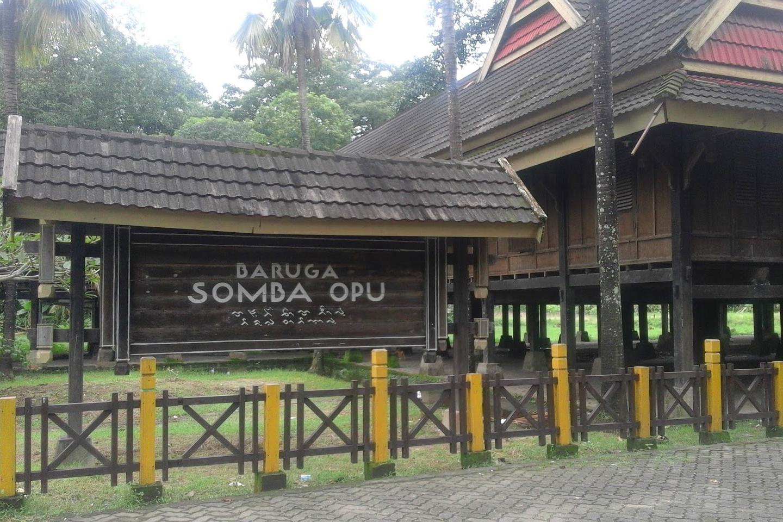 Benteng Somba Opu rumah rumah adat di Sulawesi Selatan