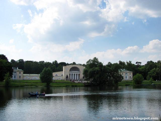 Голицынские конюшни - усадьба Голицыных (парк Кузьминки), Москва