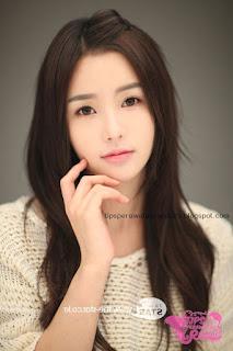 model rambut wanita korea cantik