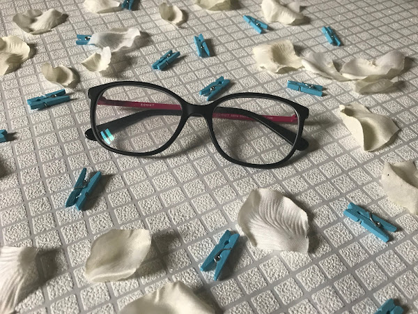 Is it better to order glasses online?