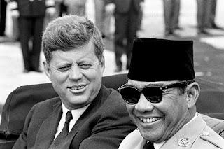 Sejarah Hubungan Kennedy dan Soekarno Indonesia