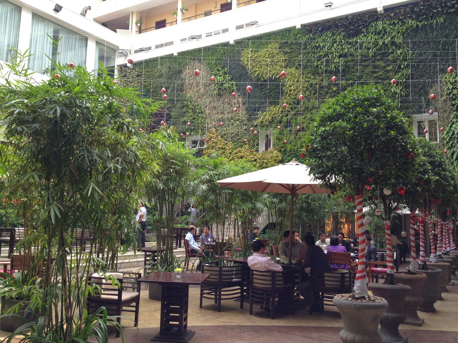 Garden Walk Dining: A Walk To Zen: A Piece Of Indochine