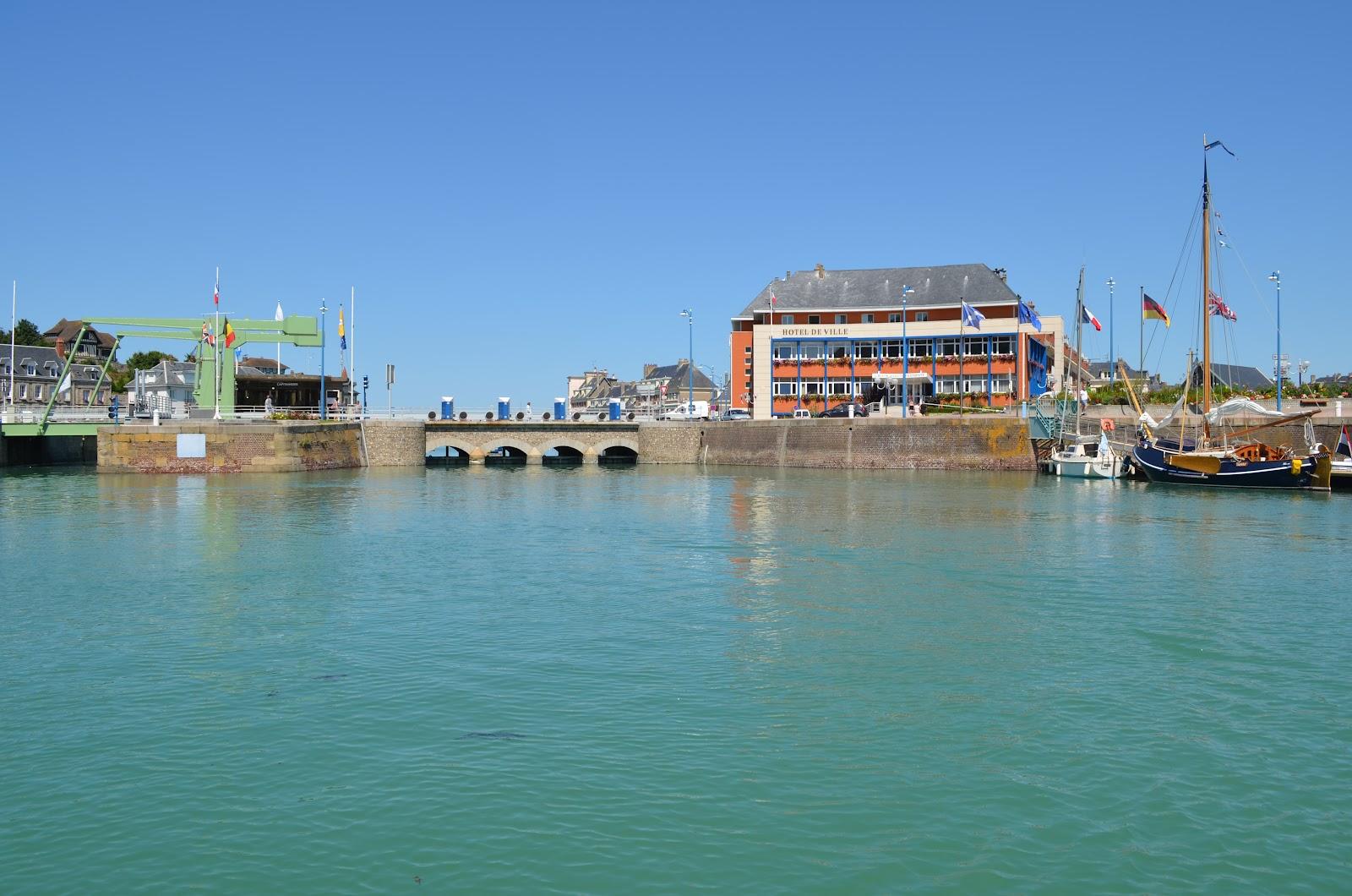 Sur la c te d 39 alb tre la seine maritime entre le tr port - Saint valery en caux restaurant du port ...