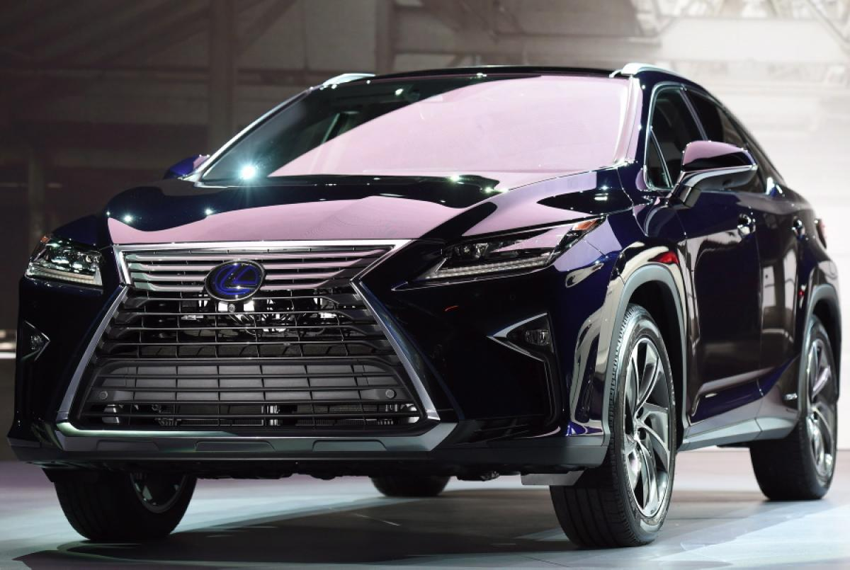 all lexus lexus rx 450h prices compared in 12 countries proof you need to be filthy rich to. Black Bedroom Furniture Sets. Home Design Ideas