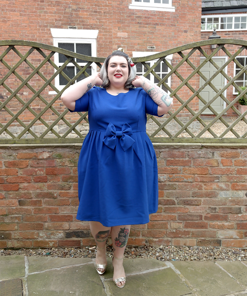 UK Plus Size Blogger Navabi Manon Baptiste Cobalt Blue Bow Dress