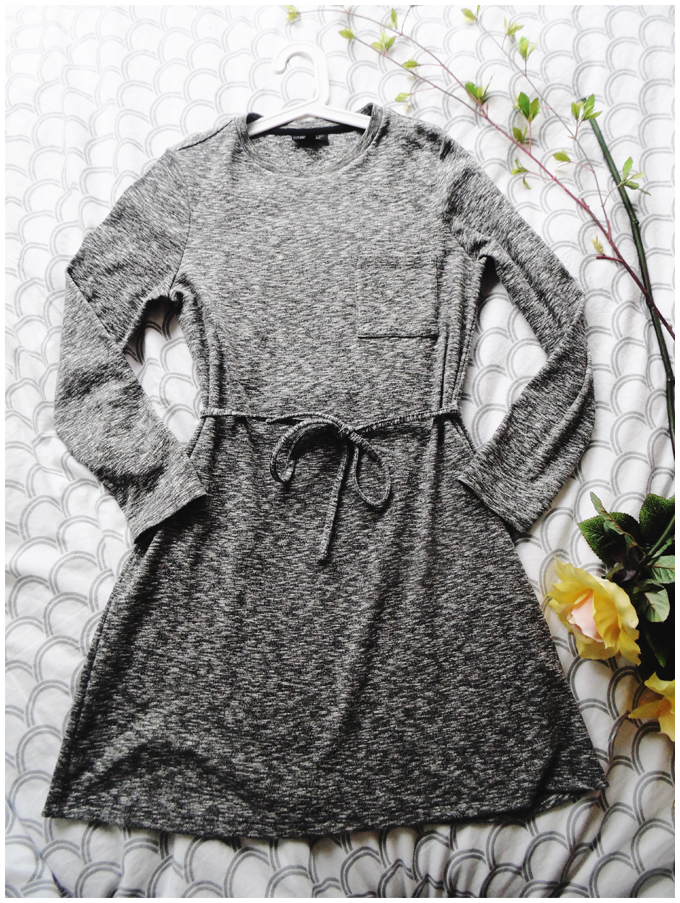 fashion essentials   topshop   grey dress   more details on my blog http://junegold.blogspot.de   life & style diary from hamburg   #fashion #topshop #dress #grey #lips