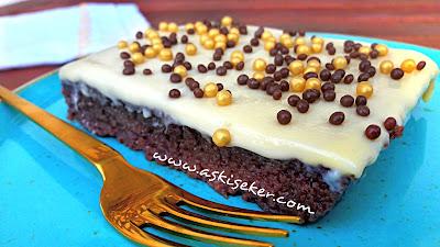 Sütlü kakaolu çikolatalı irmik tatlısı tarifi Nasıl yapılır kolay lezzetli videolu nefis tatlı yemek tarifleri