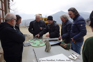 Cava Nardini Vellano Valleriana Tuscany Italy Sculptors Discuss Designs